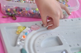 jewellery making birthday party