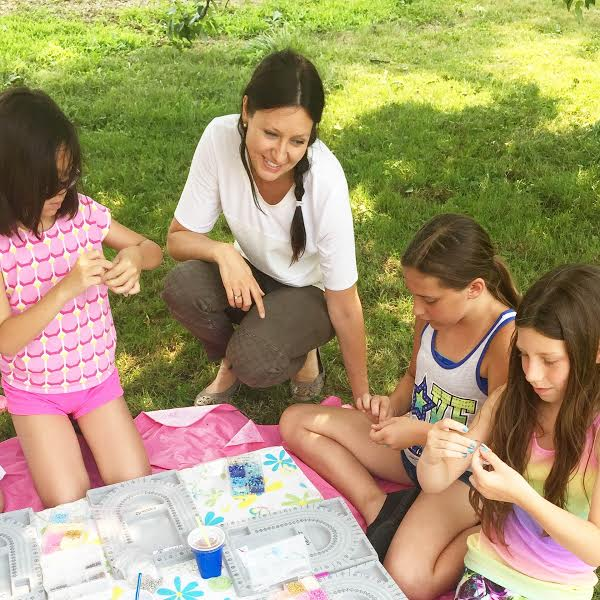 Outdoor Beading Buds jewellery making birthday party for girls ages 6, 7, 8, 9 and up.